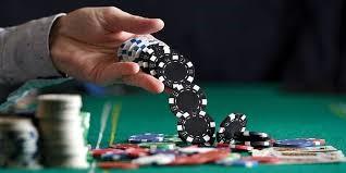 Rasakan Manfaat Saat Bermain Judi Poker Online